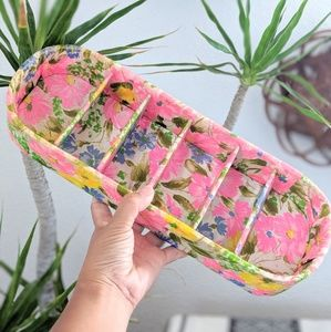 Sweet Retro Floral Cosmetic Holder